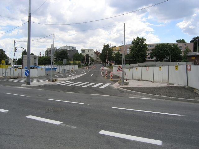Křižovatka u autopůjčovny Praha