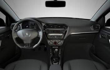 Peugeot 301 interior
